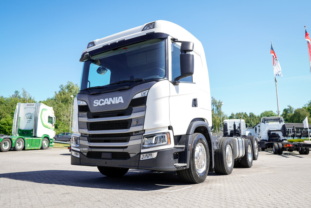 VK.11689 Scania G500 8x2*6 Chassis